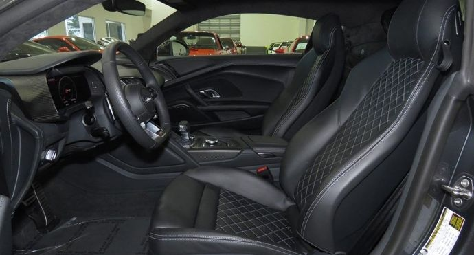 2017 Audi R8 Coupe V10 plus #1