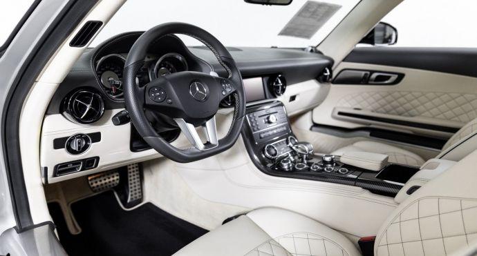 2013 Mercedes Benz SLS AMG GT SLS AMG GT #1