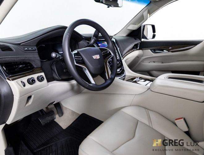 2018 Cadillac Escalade Premium Luxury #1