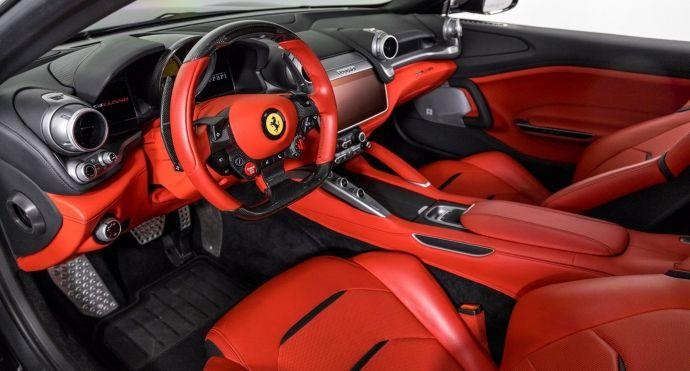 2017 Ferrari GTC4Lusso V12 #1