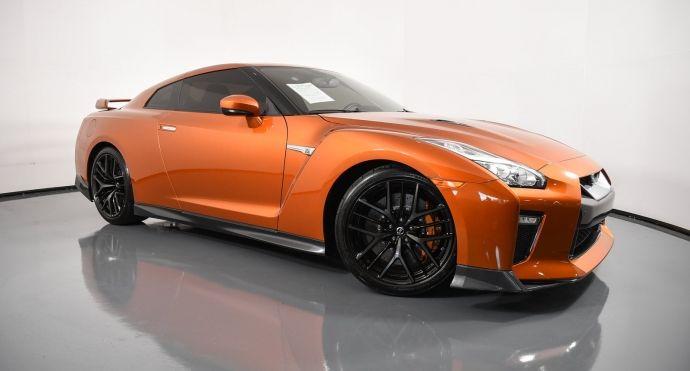 2018 Nissan GT R Premium #0