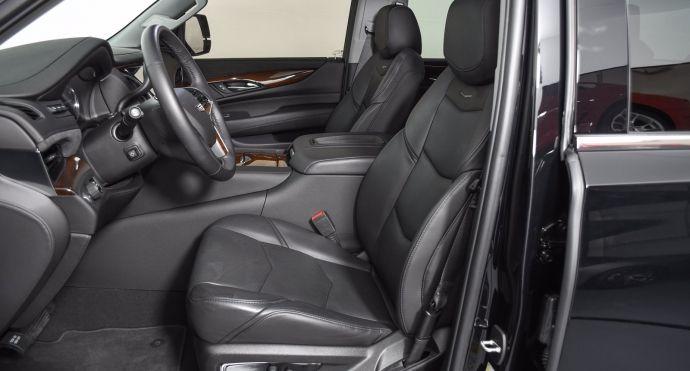 2019 Cadillac Escalade Luxury #1