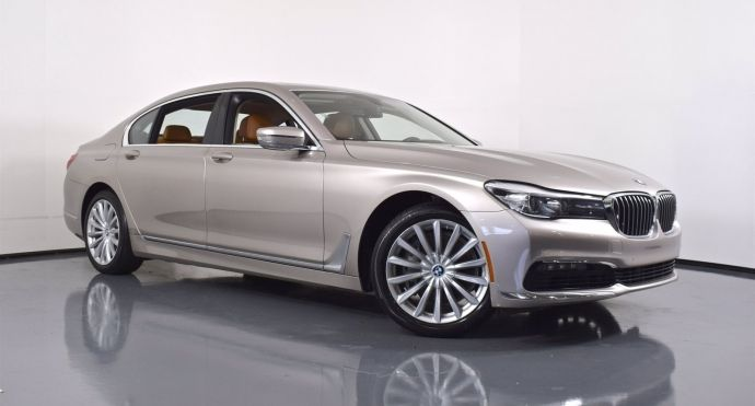 2016 BMW 7 Series 740i #0