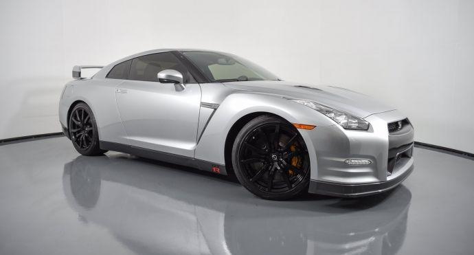 2013 Nissan GT R Premium #0