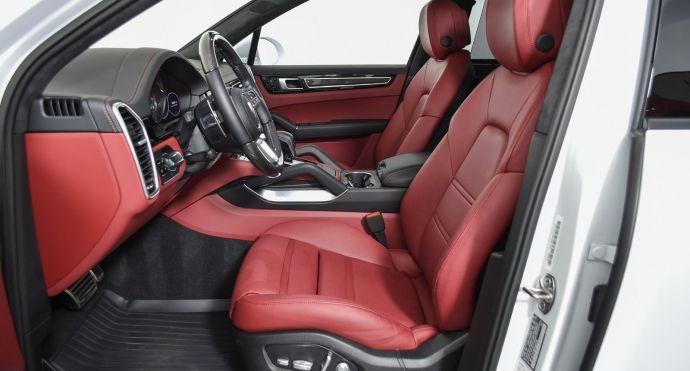2019 Porsche Cayenne Turbo #1