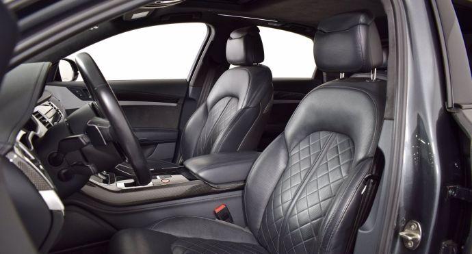 2017 Audi S8 plus 4.0T #1