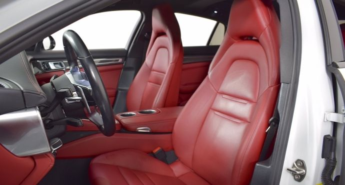 2018 Porsche Panamera 4S #1