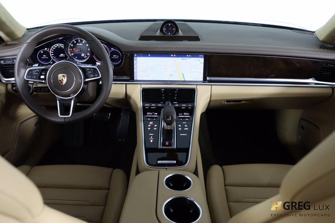2017 Porsche Panamera Turbo #32
