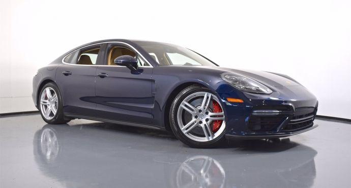 2017 Porsche Panamera Turbo #0