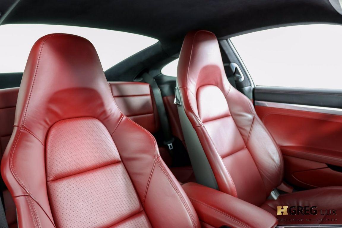 2017 Porsche 911 Carrera 4S #28