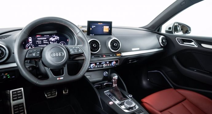 2020 Audi S3 2.0 Technik #1