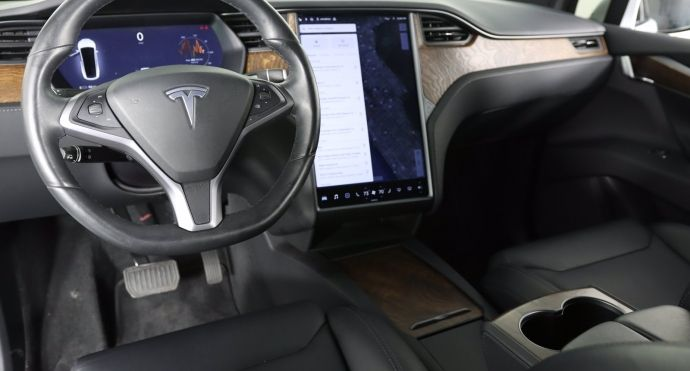 2019 Tesla Model X Long Range #1