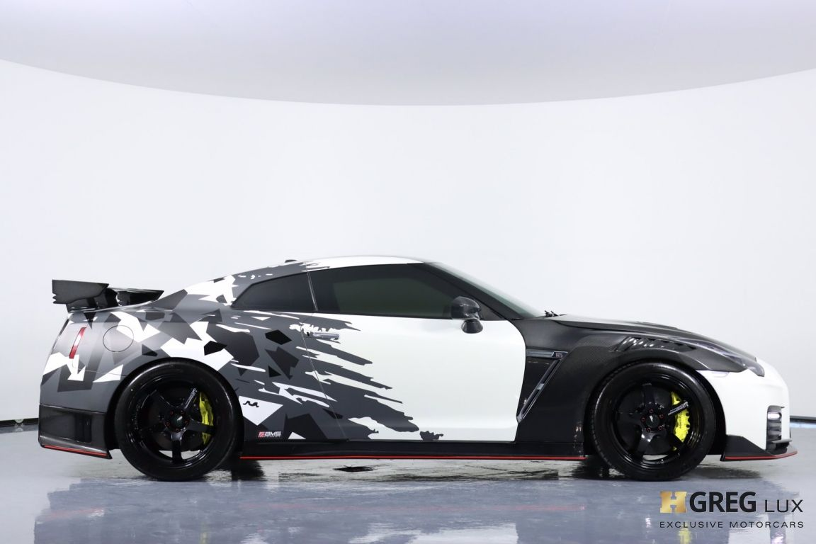 2014 Nissan GT R Black Edition #12