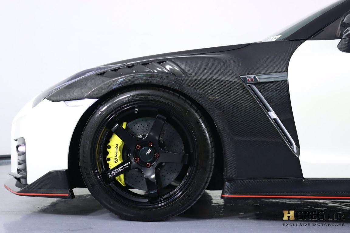 2014 Nissan GT R Black Edition #32
