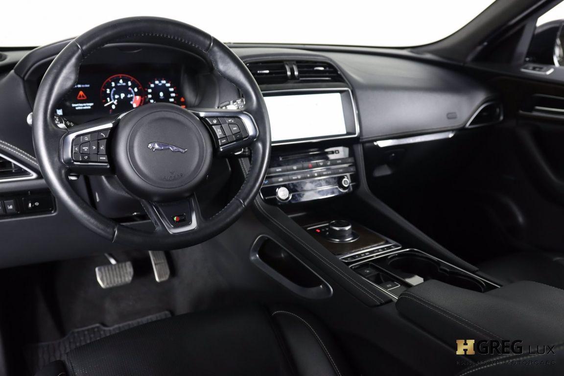 2017 Jaguar F PACE S #1