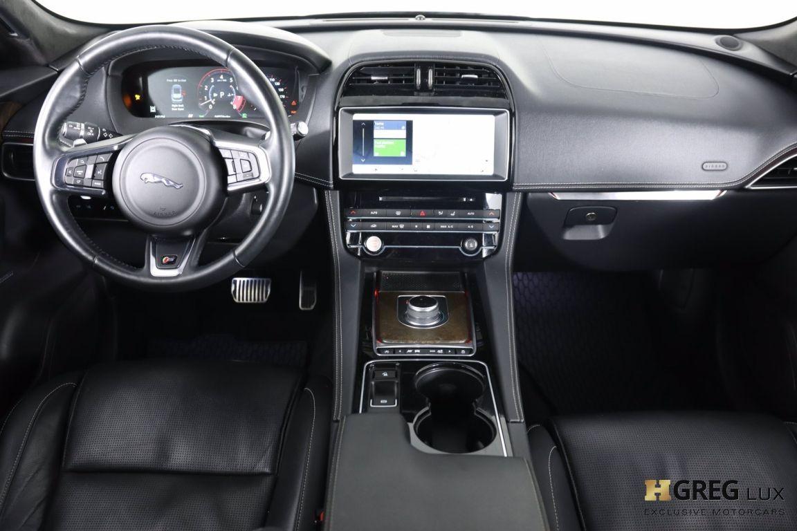 2017 Jaguar F PACE S #36