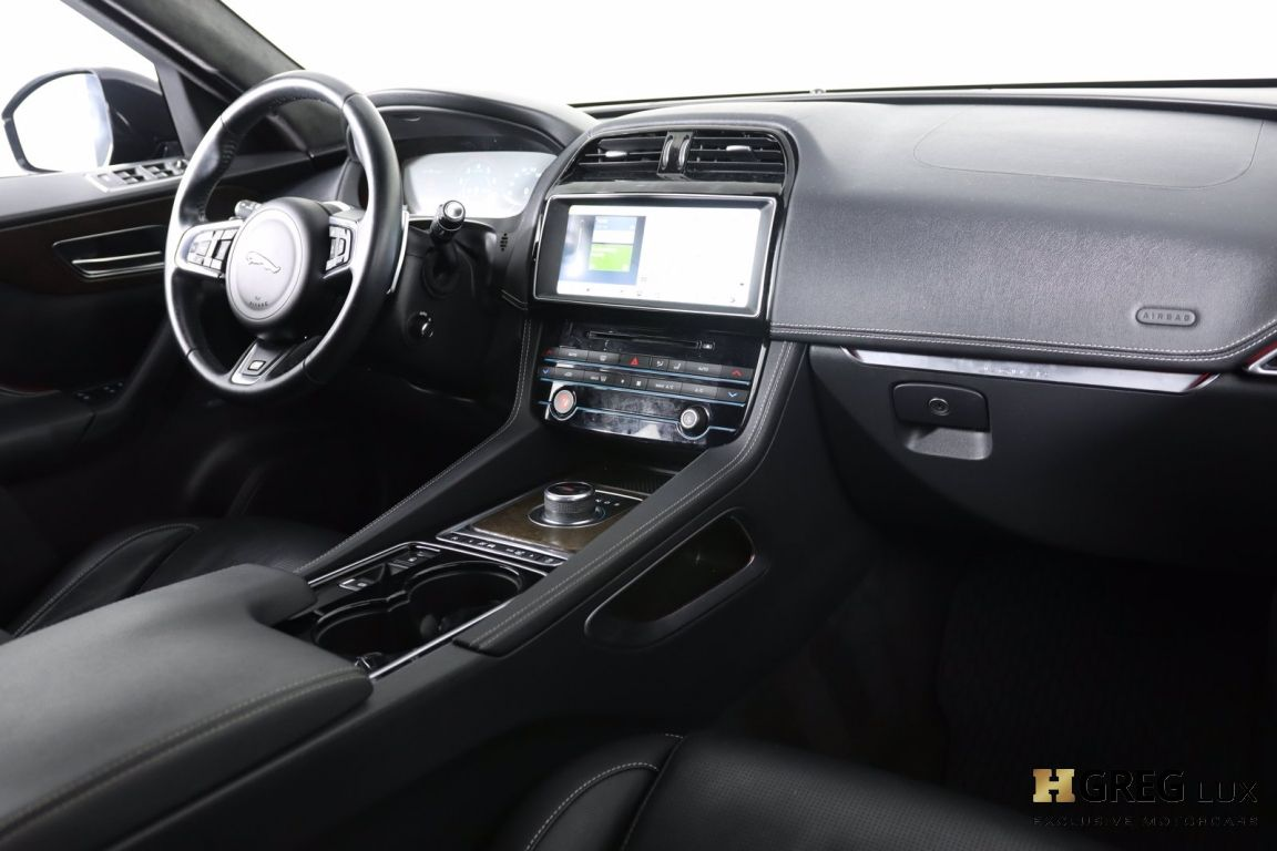 2017 Jaguar F PACE S #65
