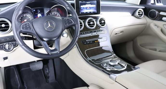 2018 Mercedes Benz GLC GLC 300 #1