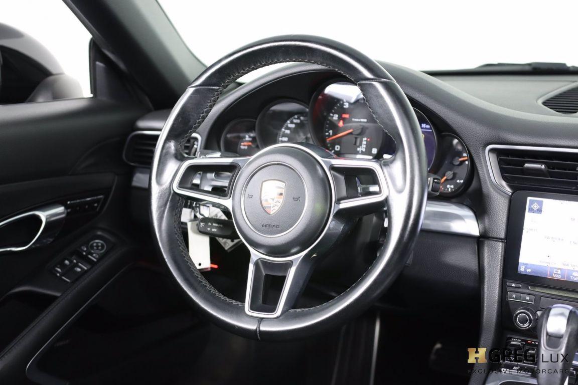2017 Porsche 911 Carrera #52