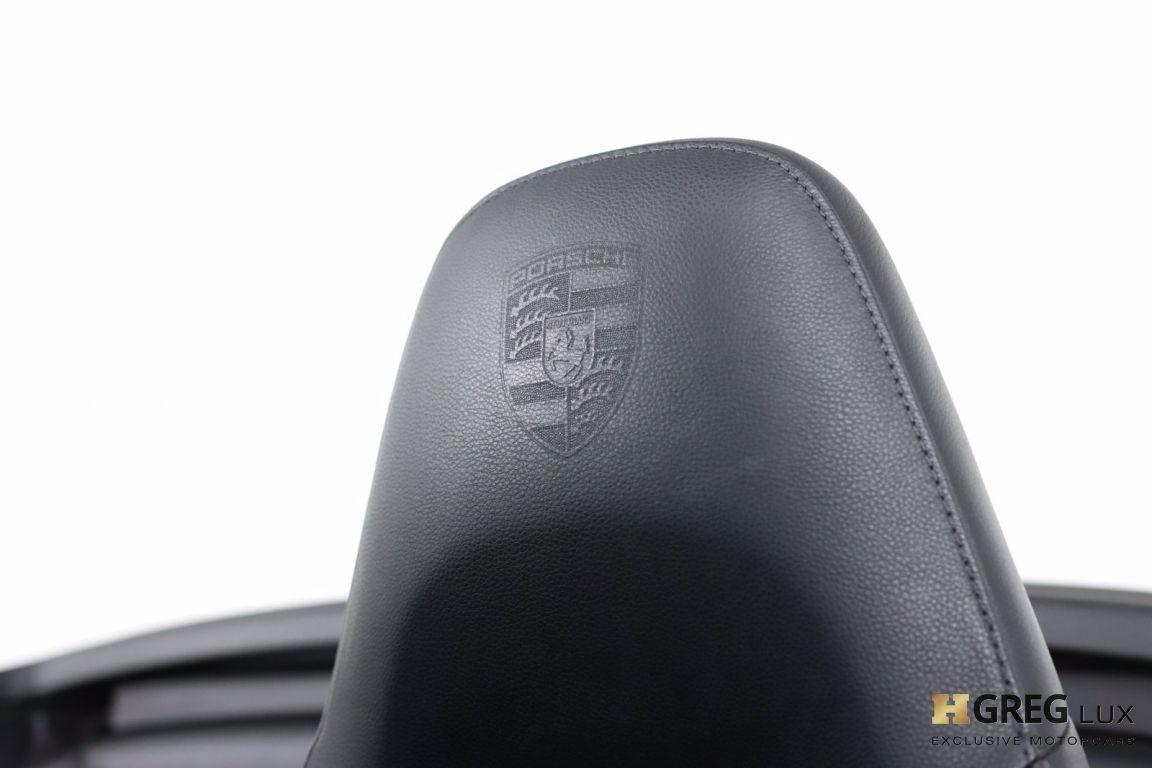 2017 Porsche 911 Carrera #34