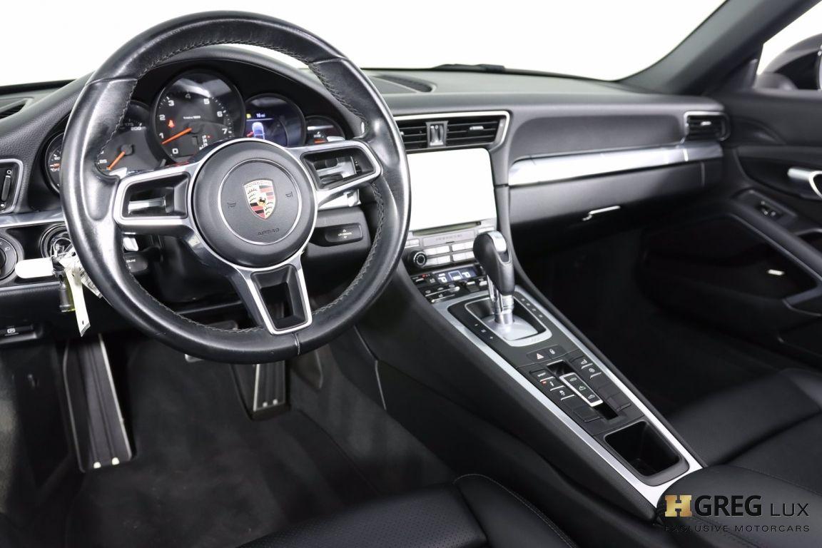 2017 Porsche 911 Carrera #1