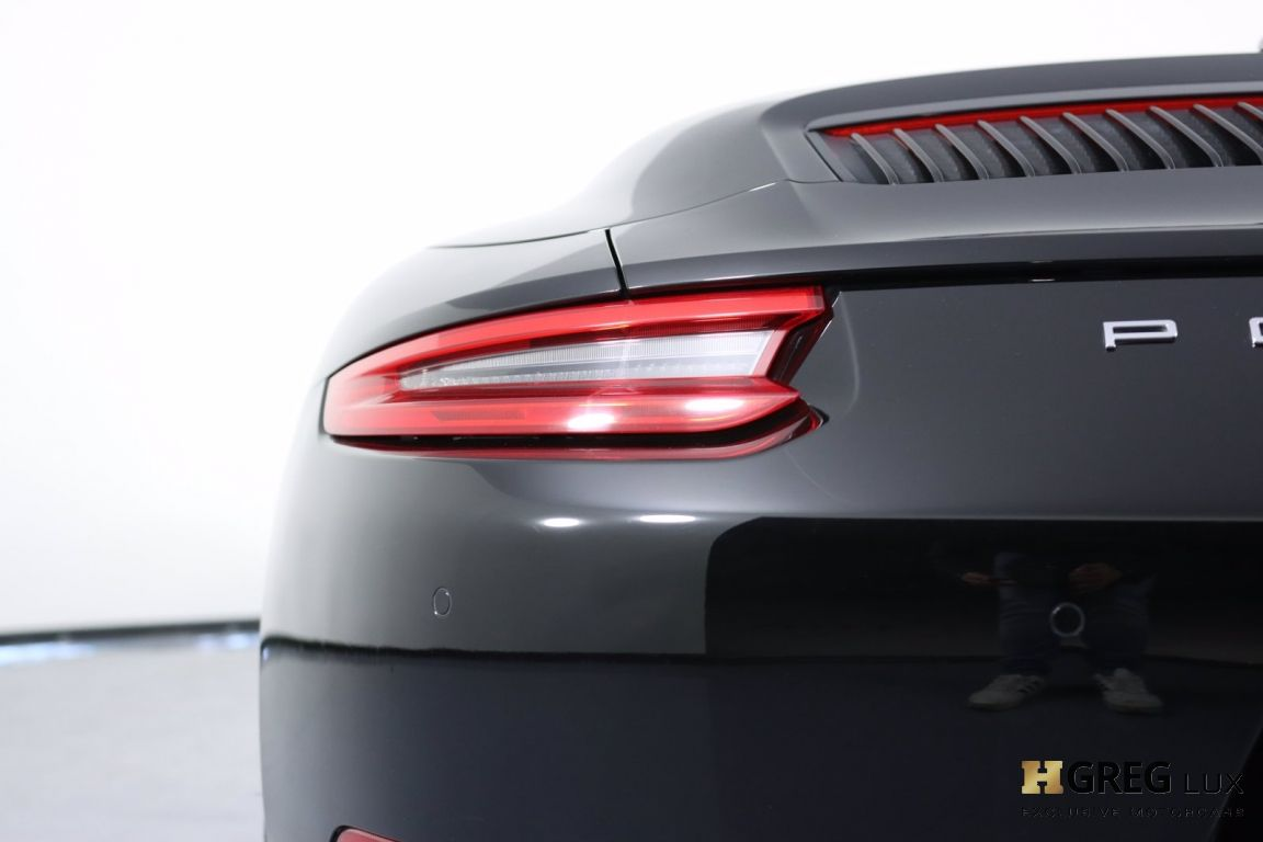 2017 Porsche 911 Carrera #19