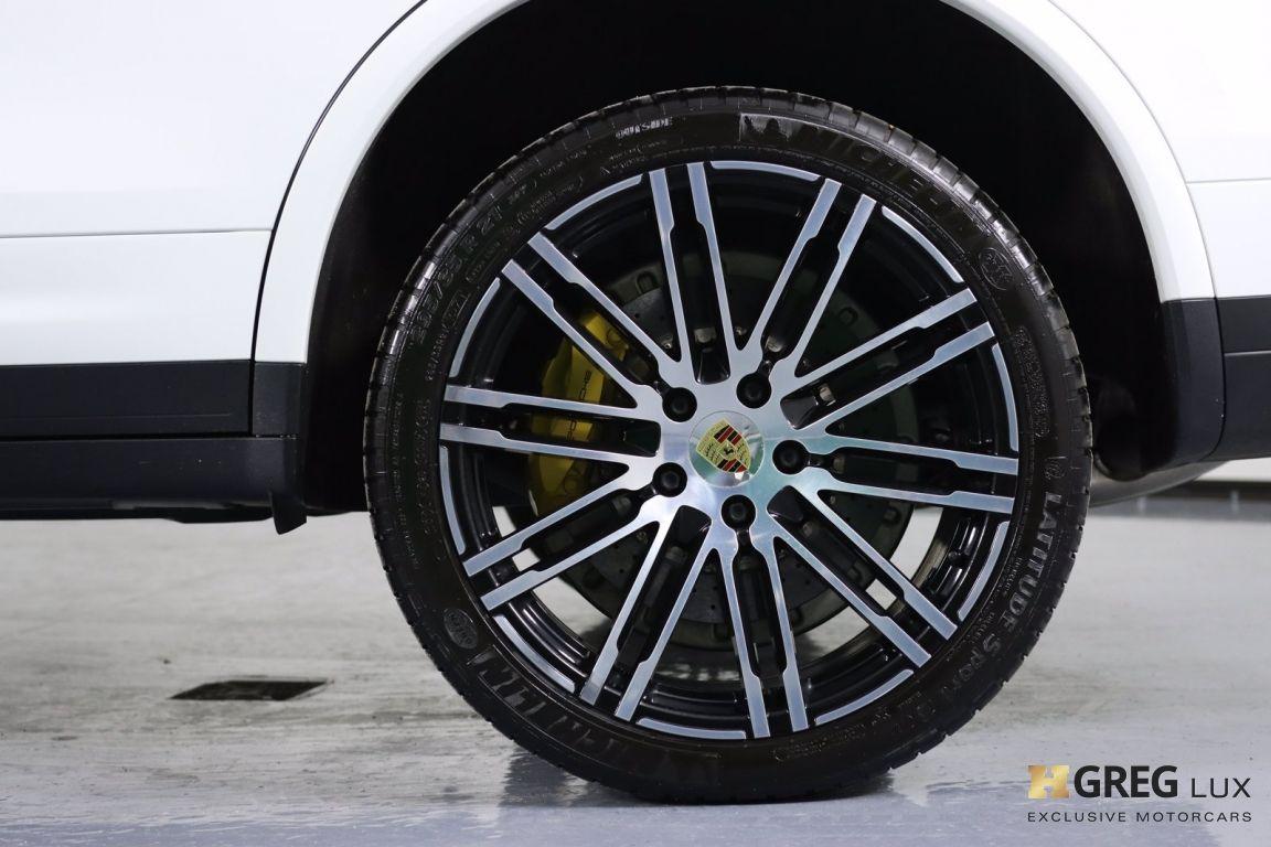 2016 Porsche Cayenne Turbo S #28