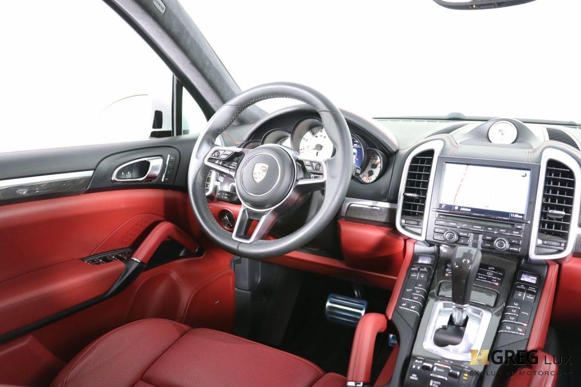 2016 Porsche Cayenne Turbo S #53