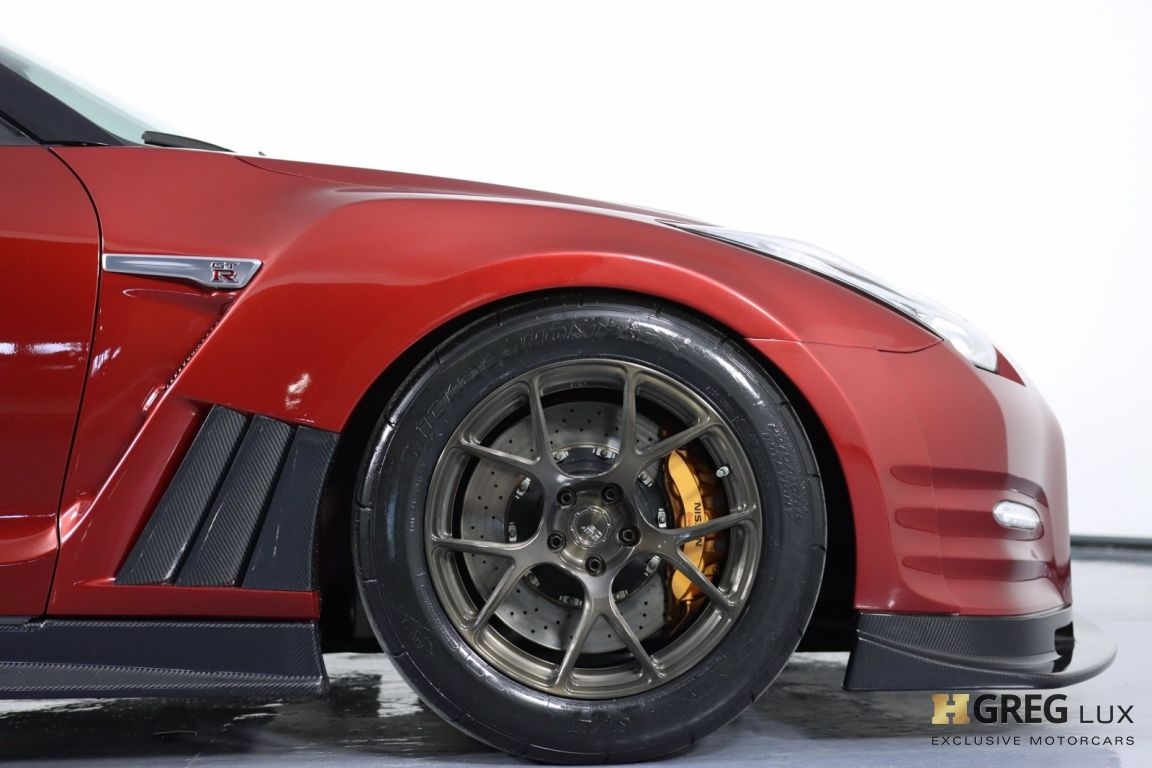 2015 Nissan GT R Premium #12