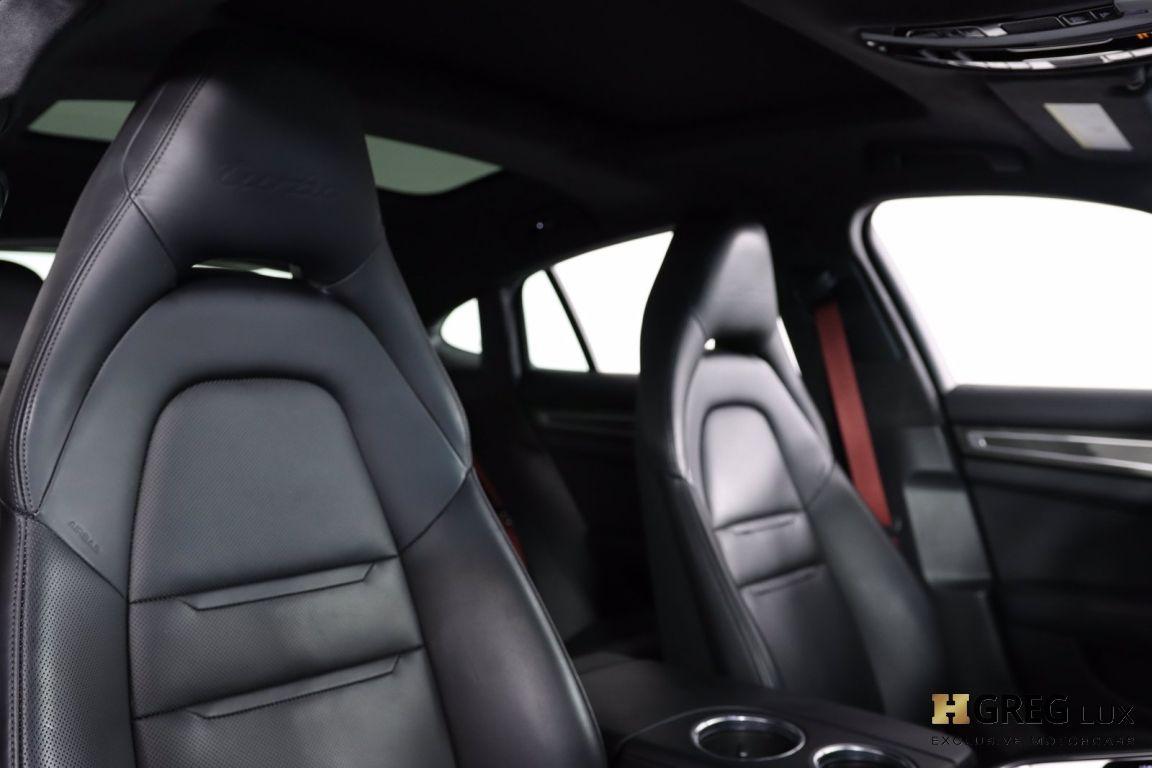 2017 Porsche Panamera Turbo #35