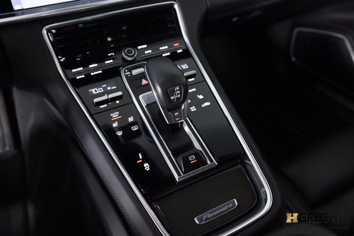 2017 Porsche Panamera Turbo #50