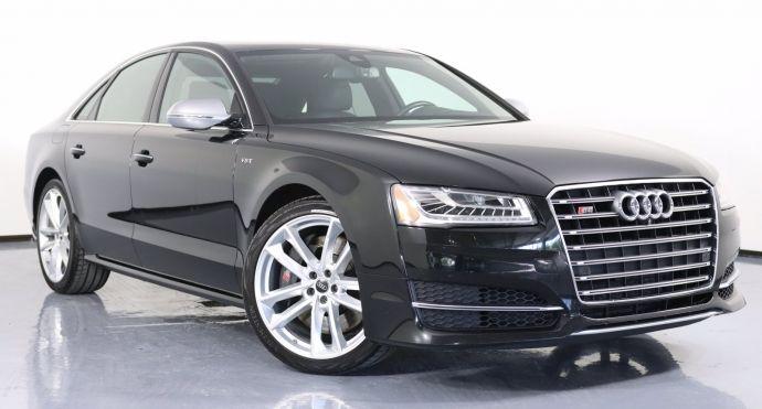 2016 Audi S8 Plus #0
