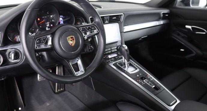2018 Porsche 911 Carrera S #1