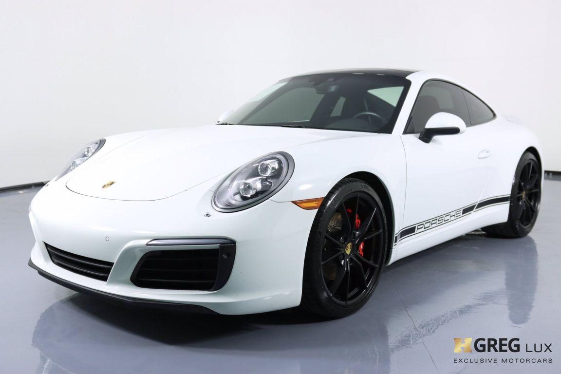 2017 Porsche 911 Carrera #33