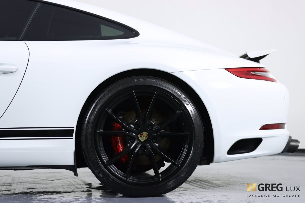 2017 Porsche 911 Carrera #30
