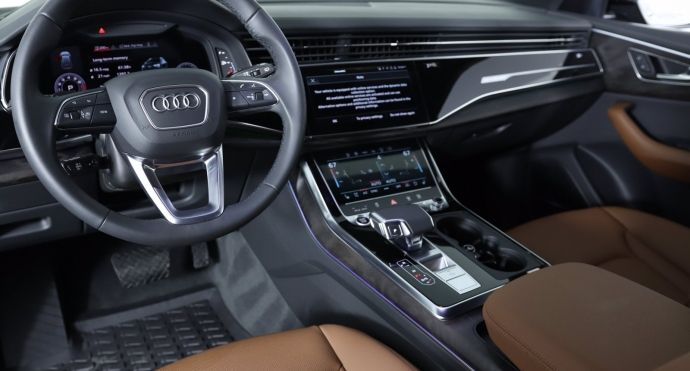 2021 Audi Q8 Prestige #1