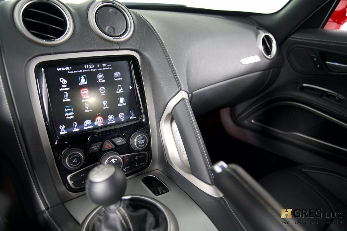 2014 Dodge SRT Viper GTS #38