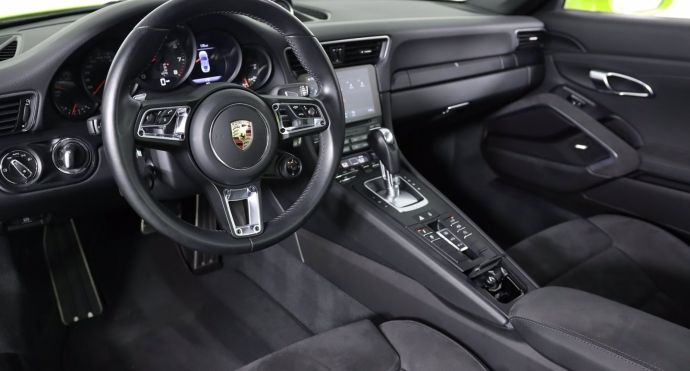 2017 Porsche 911 Carrera 4 GTS #1