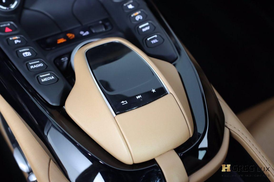 2020 Aston Martin Vantage Base #45