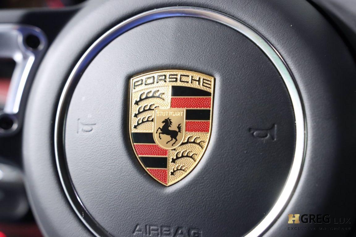 2017 Porsche 911 Carrera 4 #49