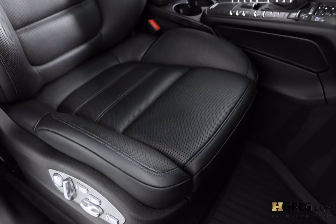 2018 Porsche Macan Turbo #38