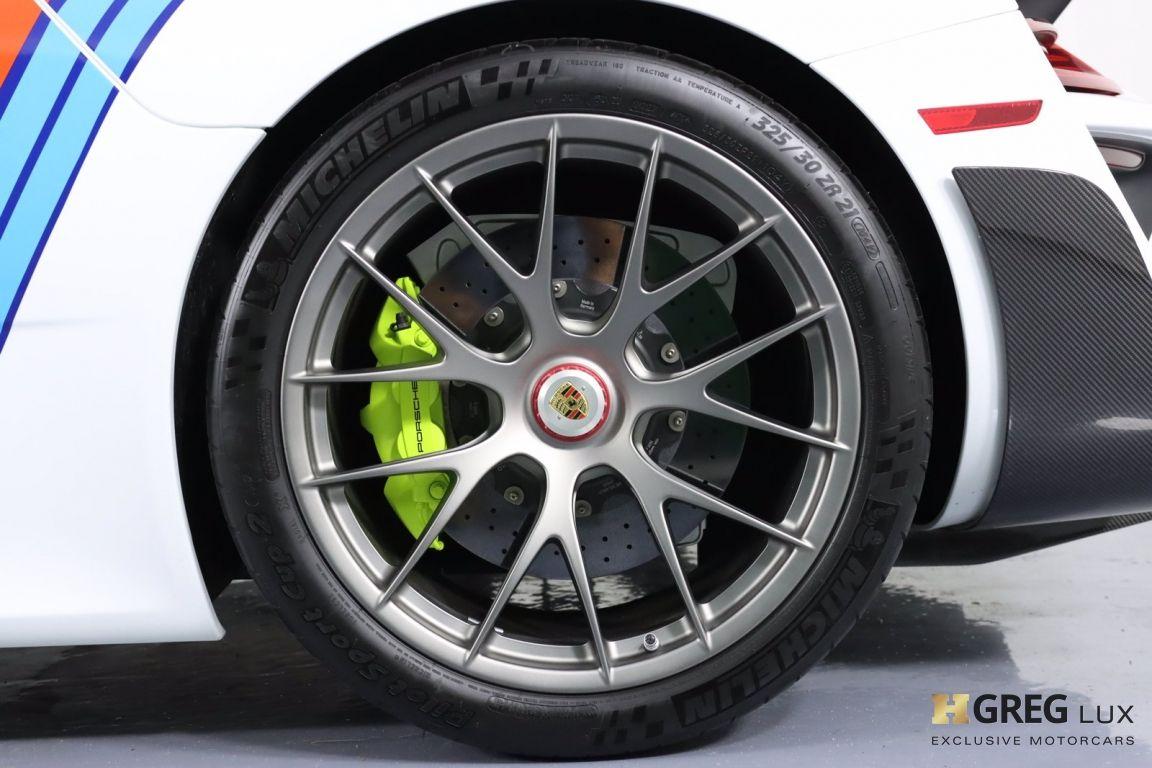 2015 Porsche 918 Spyder  #33