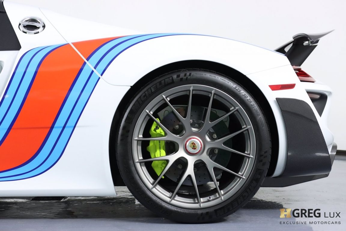 2015 Porsche 918 Spyder  #32