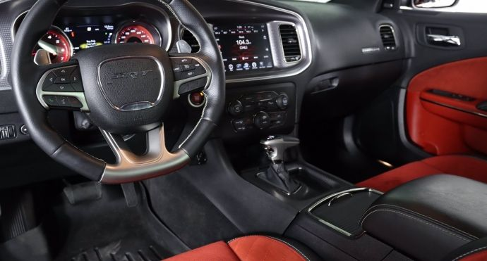 2016 Dodge Charger SRT Hellcat #1
