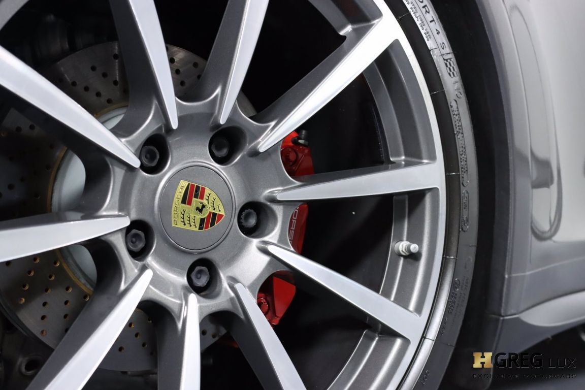 2019 Porsche 911 Carrera 4S #17