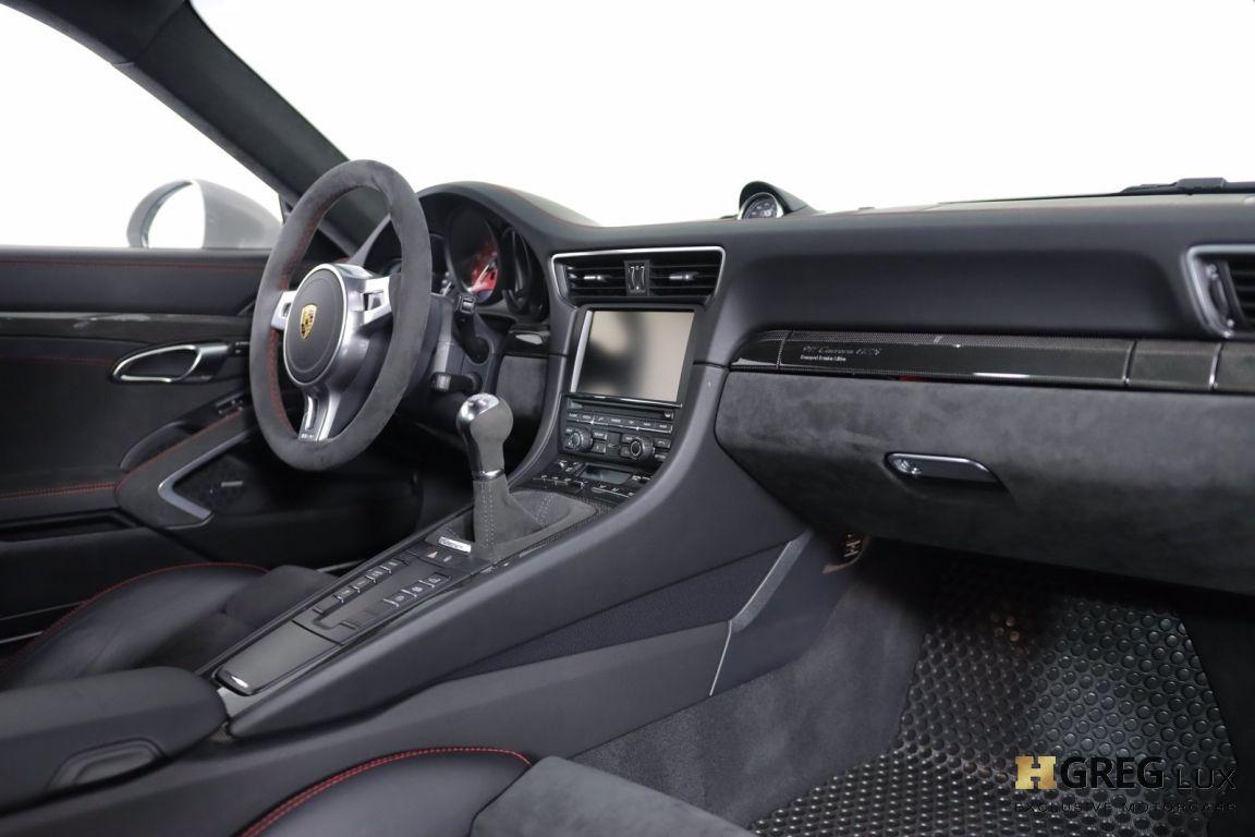 2016 Porsche 911 Carrera GTS #29