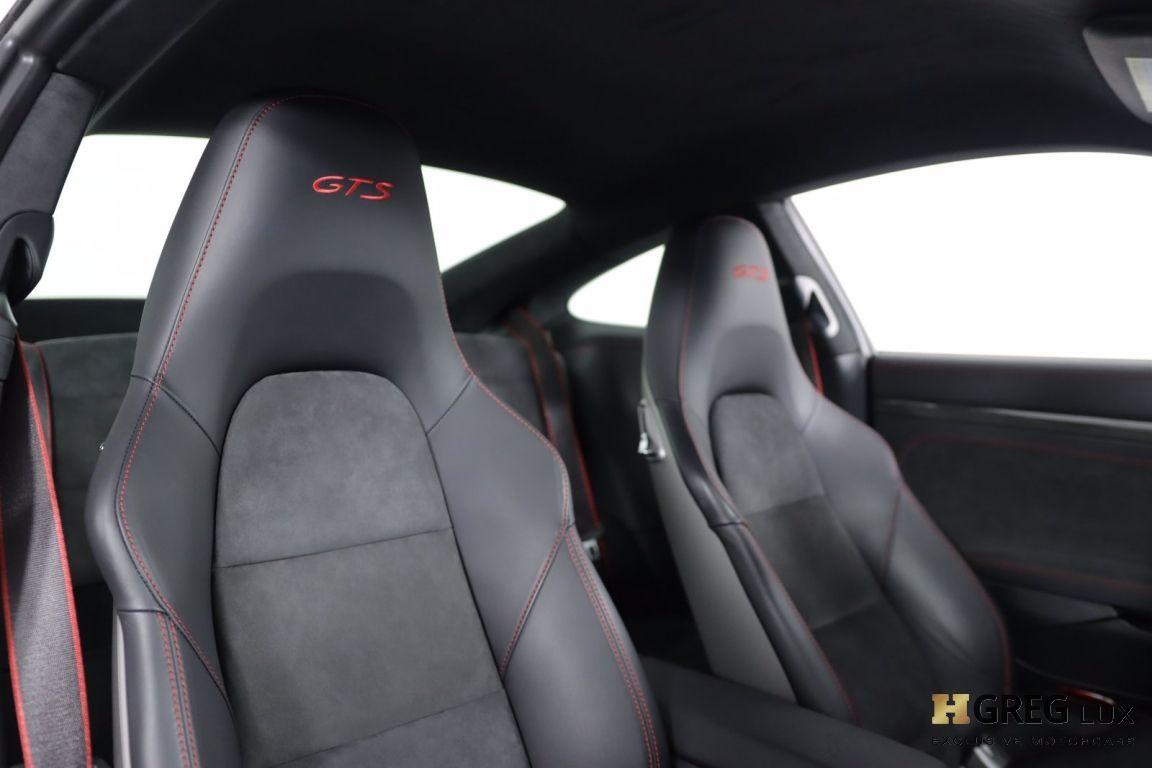 2016 Porsche 911 Carrera GTS #33