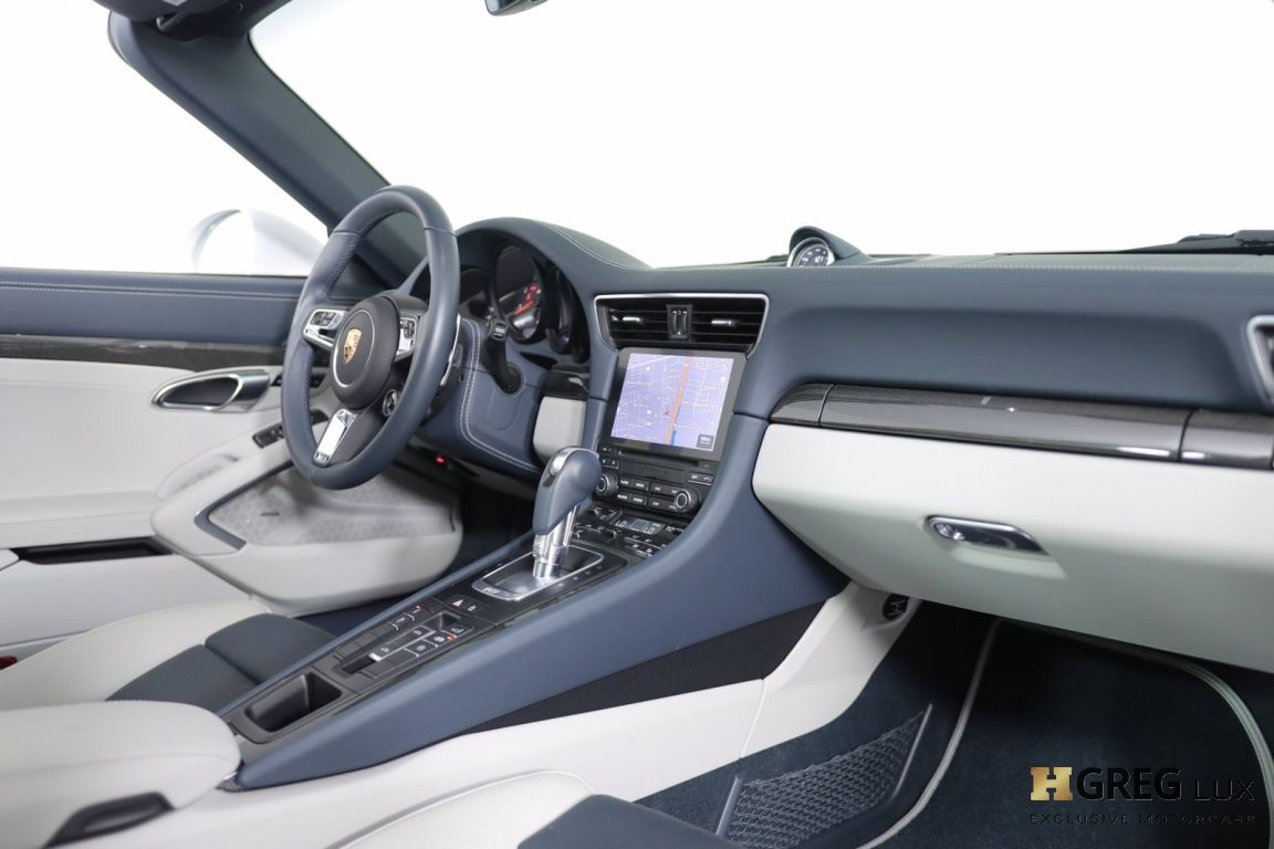 2019 Porsche 911 Targa 4 GTS #28