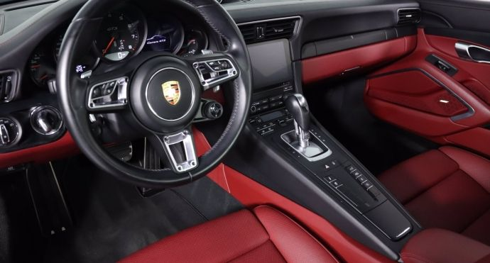 2018 Porsche 911 Carrera GTS #1