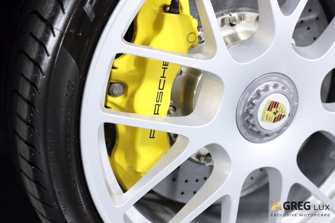2012 Porsche 911 Turbo S #16